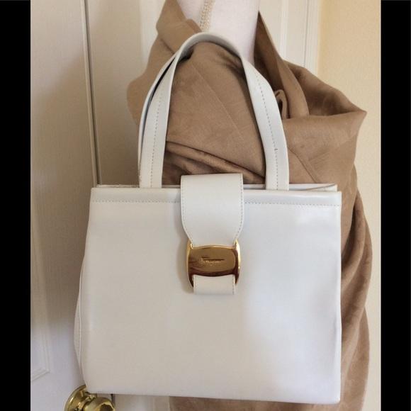 Vintage authentic Salvatore Ferragamo white purse.  M 5b9bca3d534ef9fcfb8aac21 ab95fa53a2